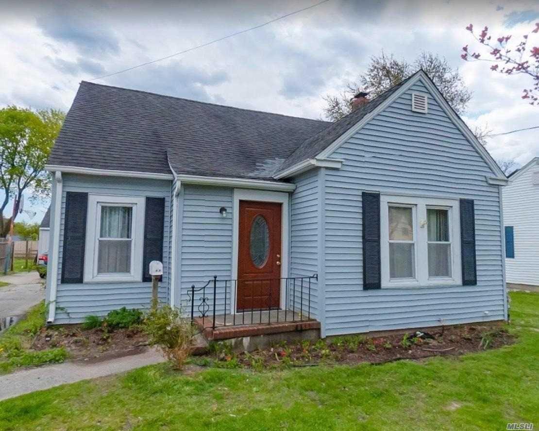 525 Elton Street, Riverhead, NY 11901 - MLS#: 3214095