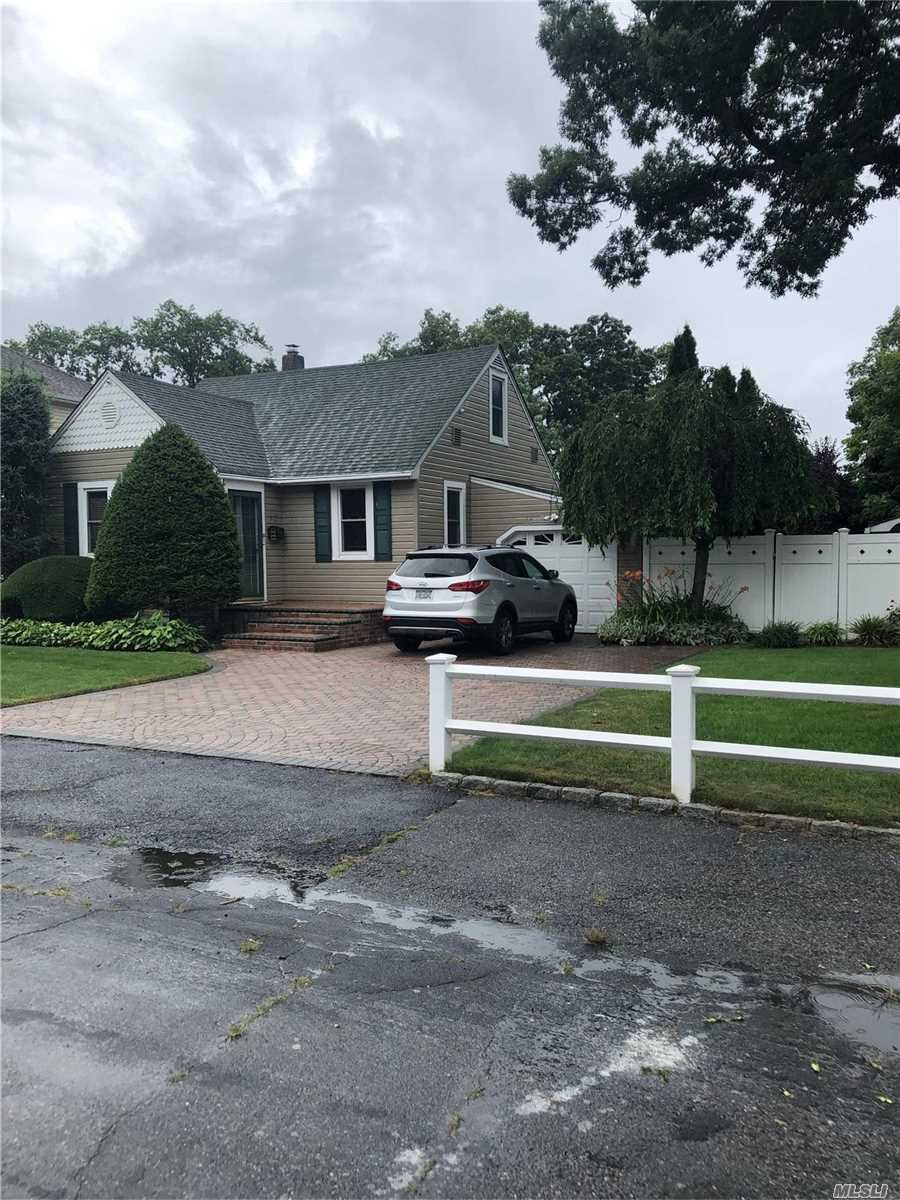92 Avenue B, West Babylon, NY 11704 - MLS#: 3232096