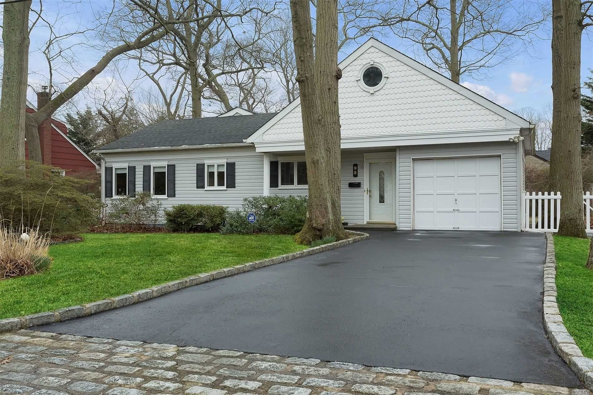 95 Mohawk Drive, Brightwaters, NY 11718 - MLS#: 3209097
