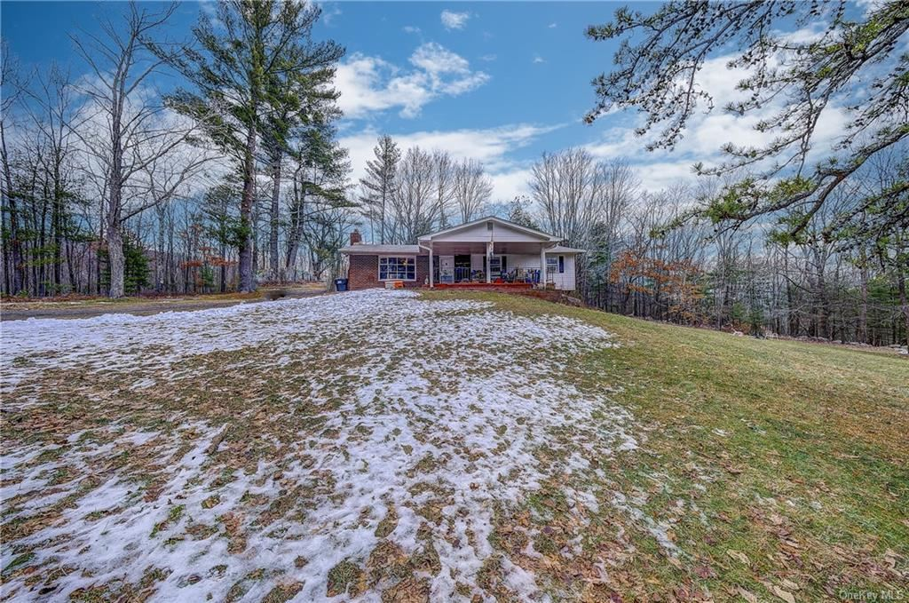 Photo of 362 Upper Mountain Road, Pine Bush, NY 12566 (MLS # H6088099)