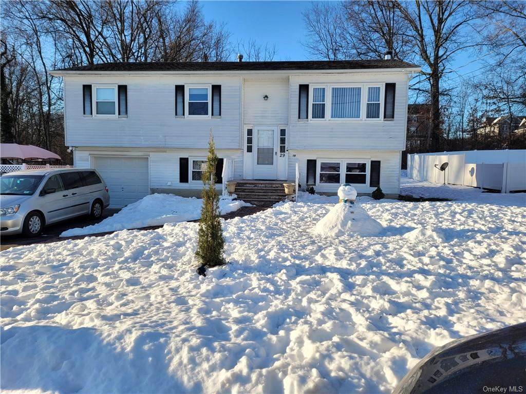 Photo of 29 Maple Drive, Middletown, NY 10940 (MLS # H6088103)