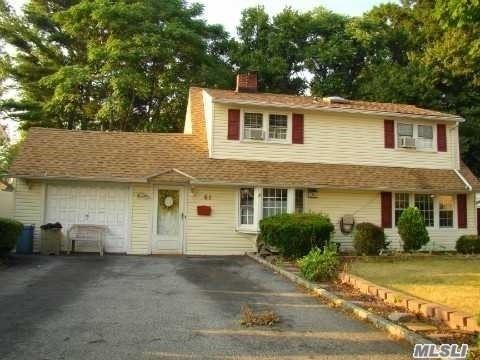 61 Spindle Rd, Hicksville, NY 11801 - MLS#: 3214109