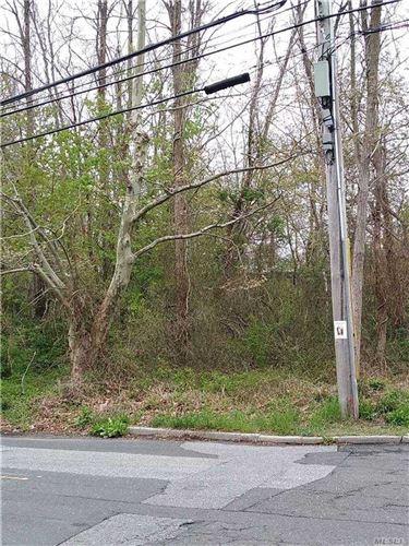Photo of Montauk Hwy, East Islip, NY 11730 (MLS # 3271110)