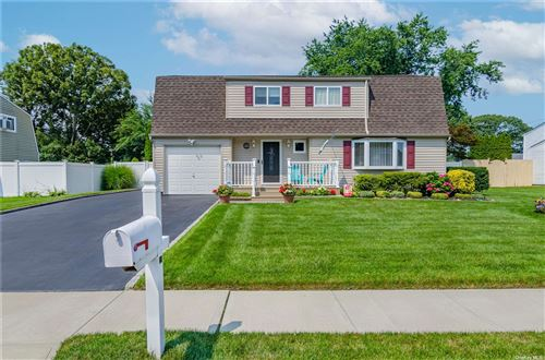 Photo of 28 Imperial Drive, Selden, NY 11784 (MLS # 3333110)
