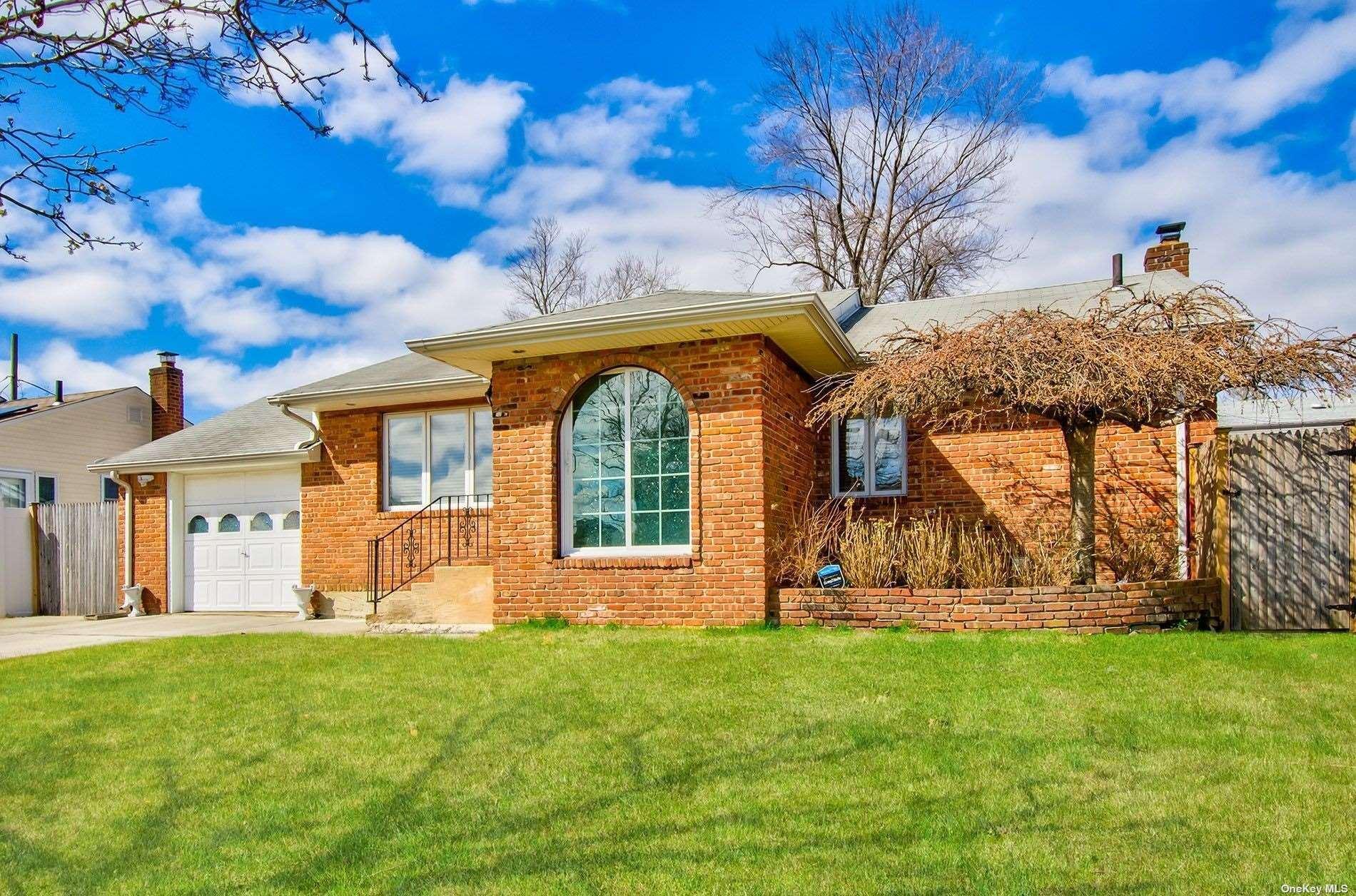 4 Frances Lane, Hicksville, NY 11801 - MLS#: 3301115