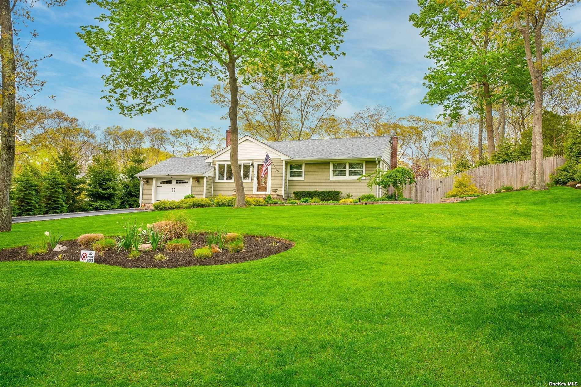 18 Columbine Avenue N, Hampton Bays, NY 11946 - MLS#: 3311116
