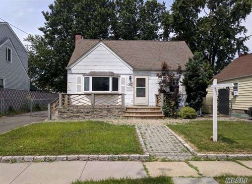 Photo of 44 Lincoln St, Elmont, NY 11003 (MLS # 3182117)