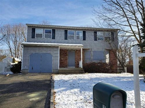 Photo of 9 Amarr Dr, Shirley, NY 11967 (MLS # 3186118)