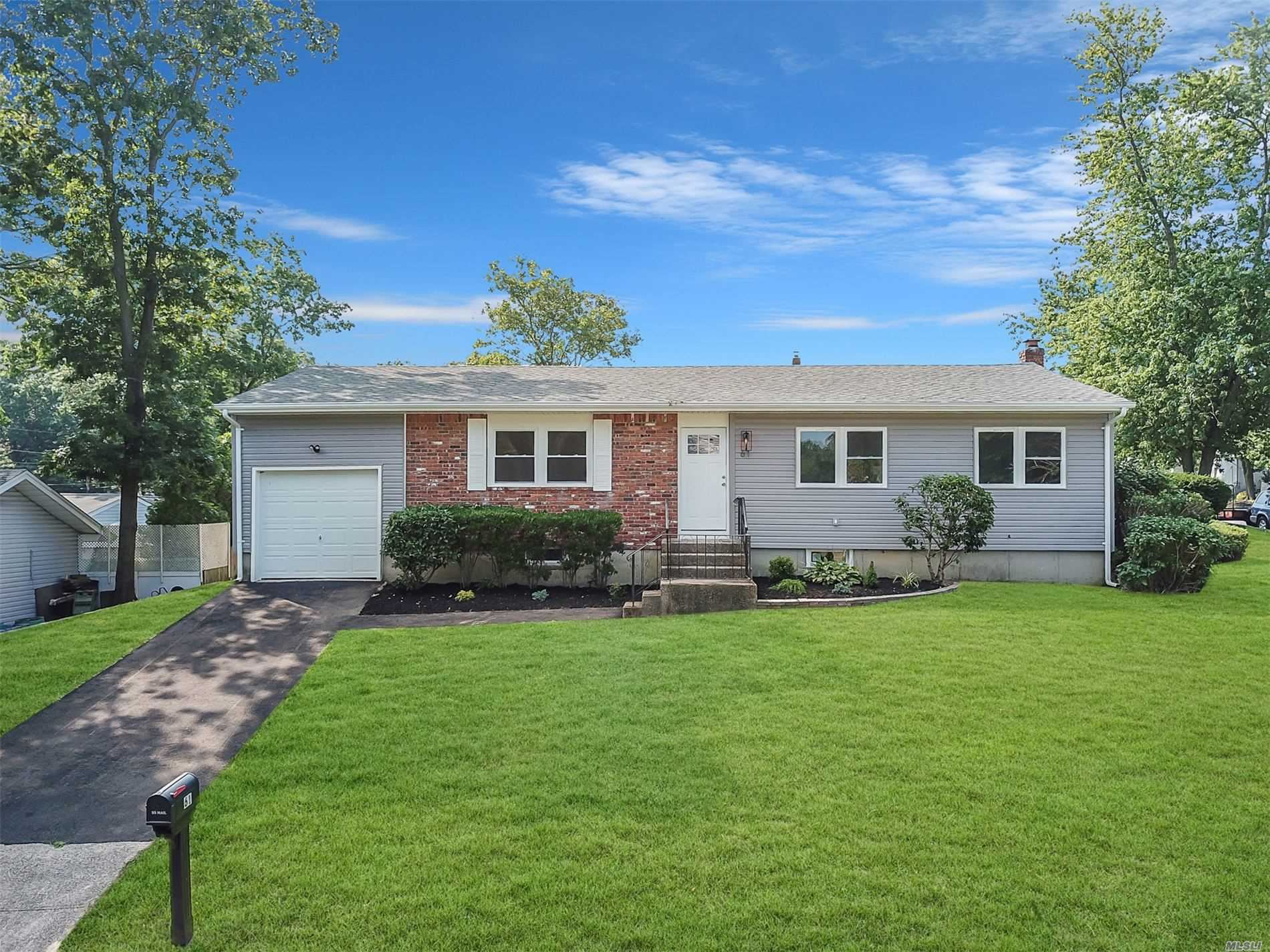 61 Hillside Ave, Patchogue, NY 11772 - MLS#: 3235118