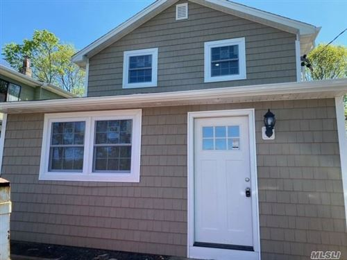 Photo of 19 Highview Dr, Selden, NY 11784 (MLS # 3215120)