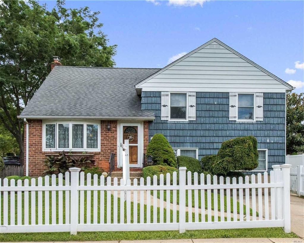 135 Elm Place, Levittown, NY 11756 - MLS#: 3156123