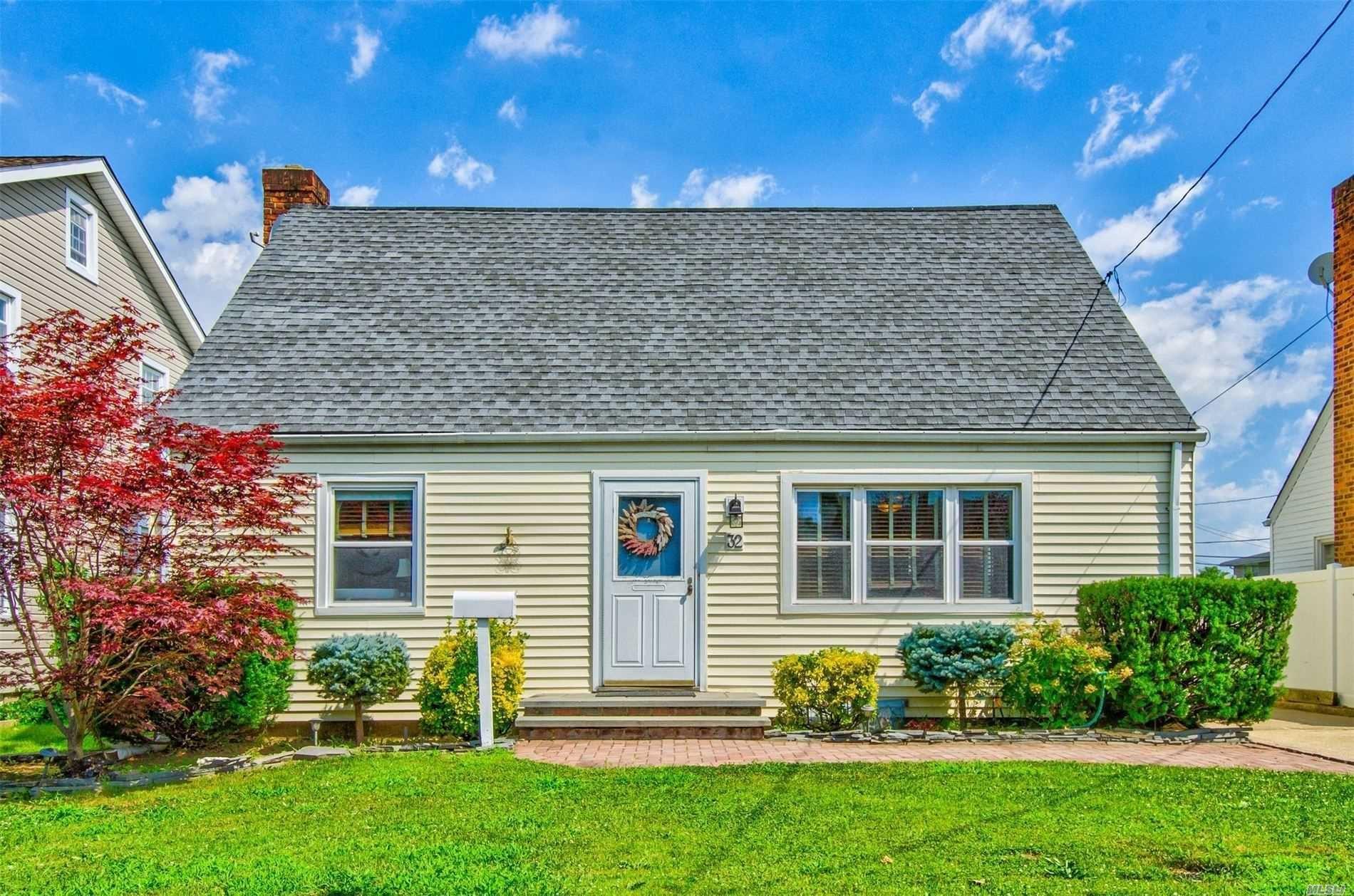 32 Terrace Place, Hicksville, NY 11801 - MLS#: 3240124