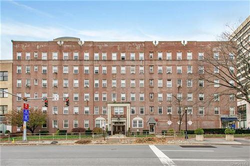 Photo of 1 S Broadway #1J, White Plains, NY 10601 (MLS # H6041127)