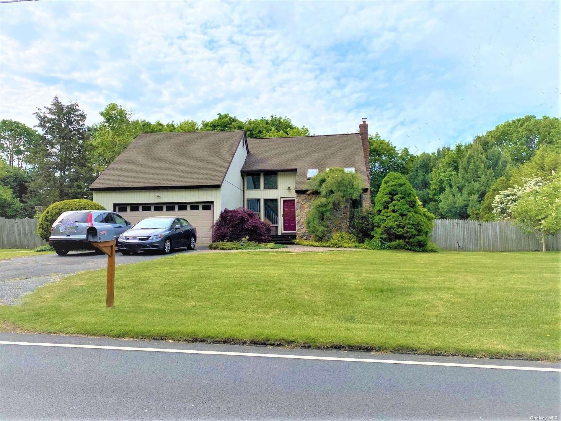 584 Barton Avenue, East Patchogue, NY 11772 - MLS#: 3315127