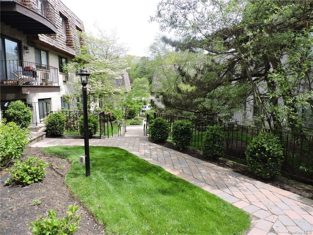Photo of 555 Central Avenue #110, Scarsdale, NY 10583 (MLS # H6114128)