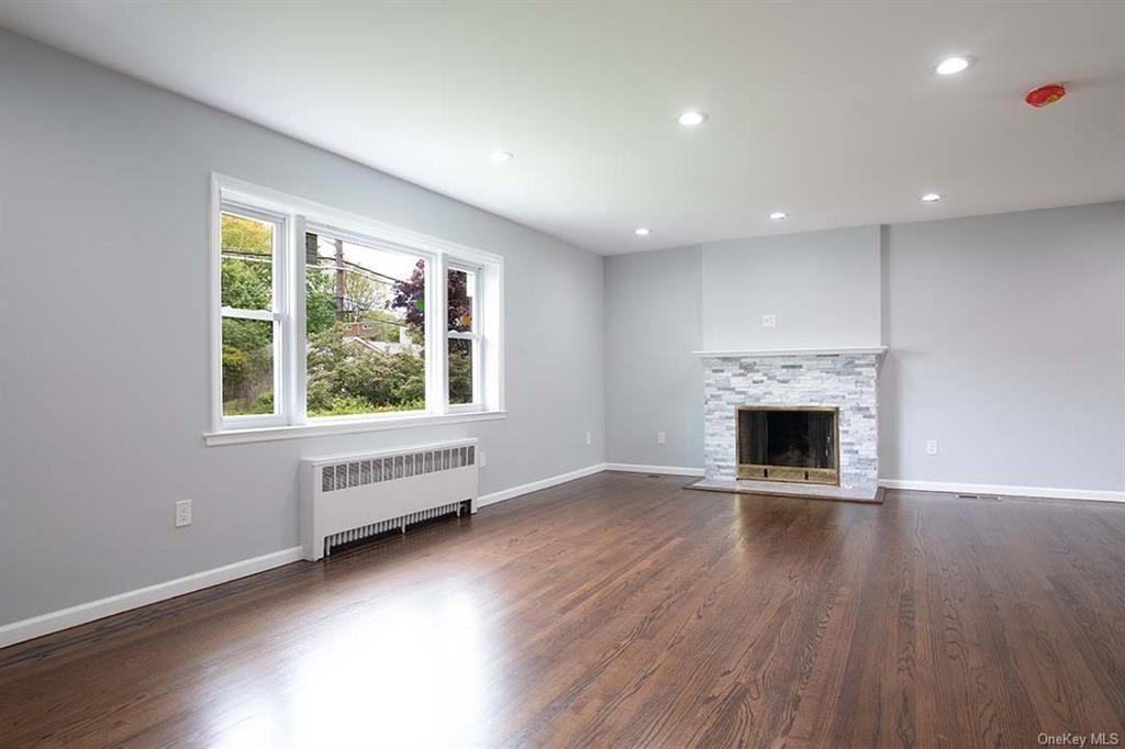 Photo of 64 Stonelea Place, New Rochelle, NY 10801 (MLS # H6114129)