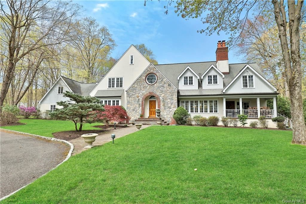 Photo of 31 Petersville Road, Mount Kisco, NY 10549 (MLS # H6111133)