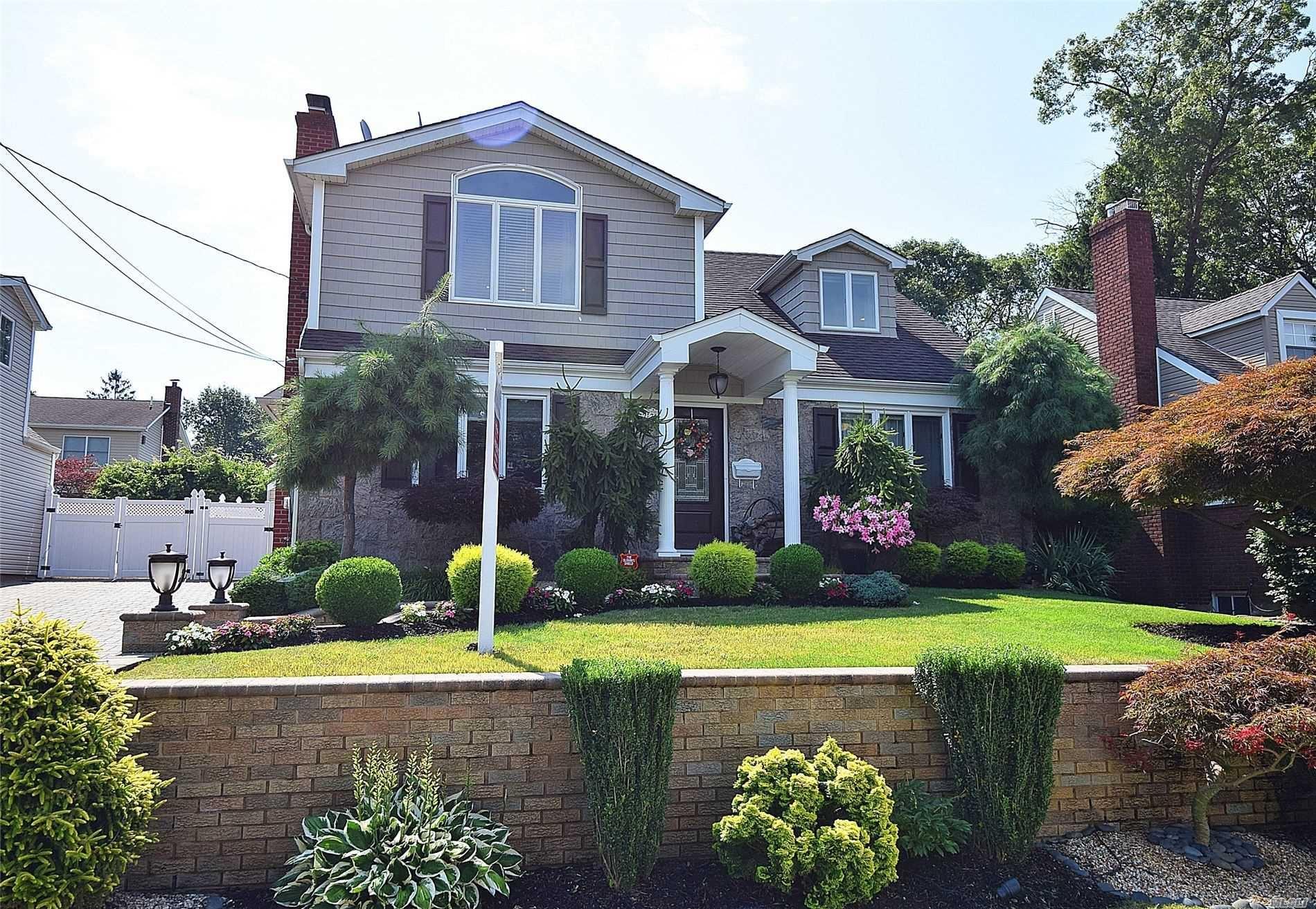 527 Harding, West Hempstead, NY 11552 - MLS#: 3198134