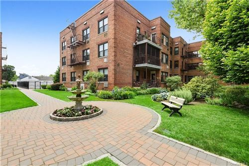 Photo of 1015 Old Post Road #1A, Mamaroneck, NY 10543 (MLS # H6047135)