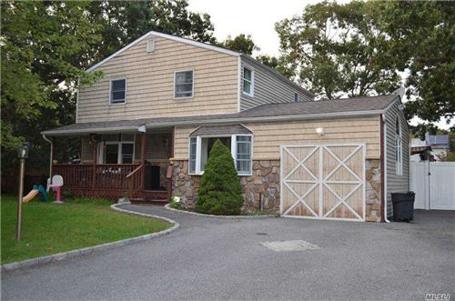 Photo of 25 Newport Avenue, Selden, NY 11784 (MLS # 3253136)