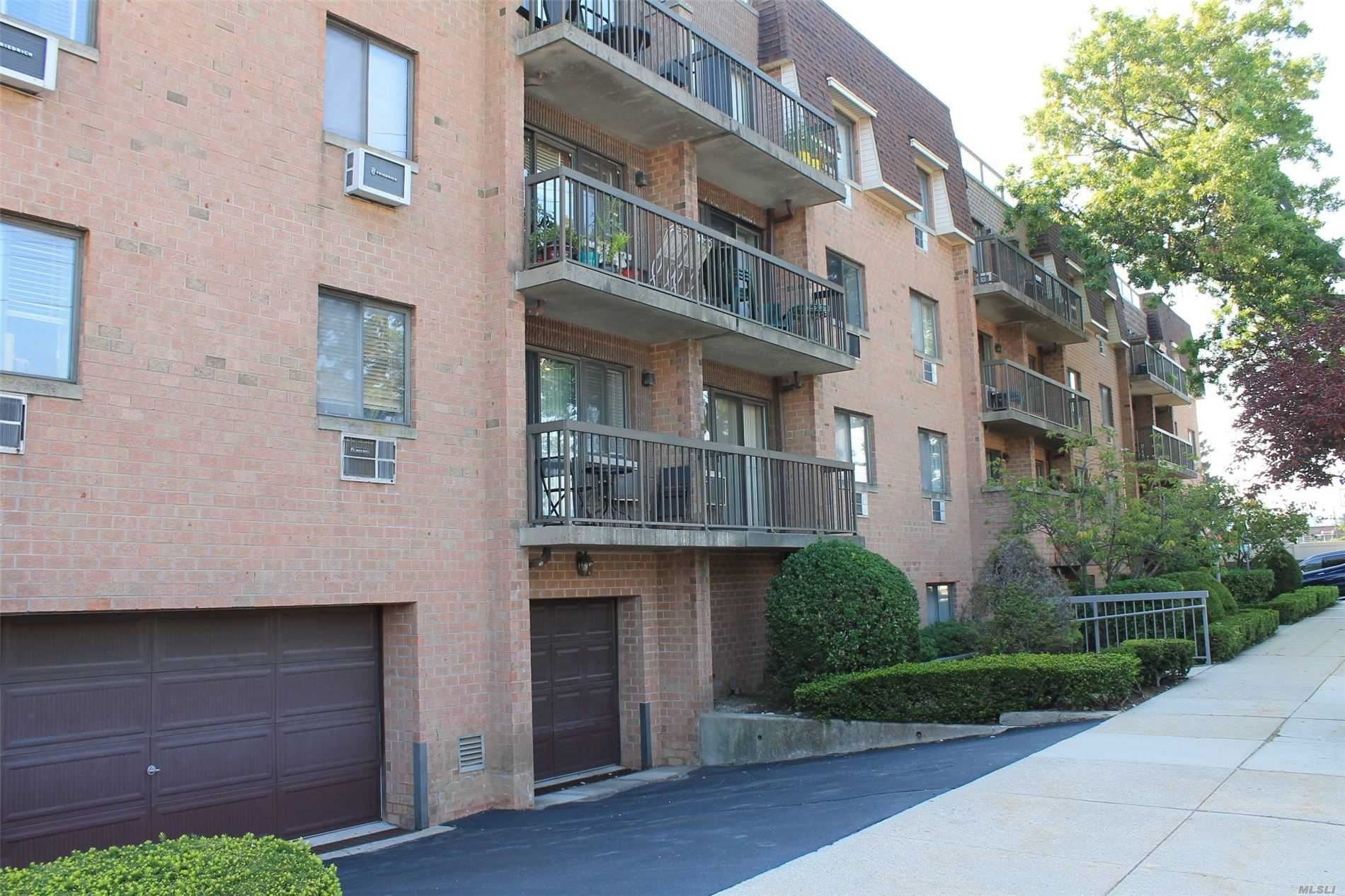61-12 69th Street #3B, Middle Village, NY 11379 - MLS#: 3242137