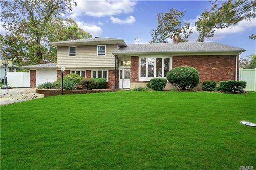 Photo of 20 Newtown Lane, Melville, NY 11747 (MLS # 3263139)