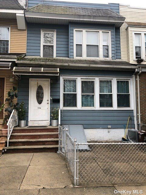 72-34 67th Place, Glendale, NY 11385 - MLS#: 3311140