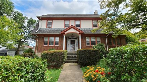 Photo of 70 Eastchester Road, New Rochelle, NY 10801 (MLS # H6059146)