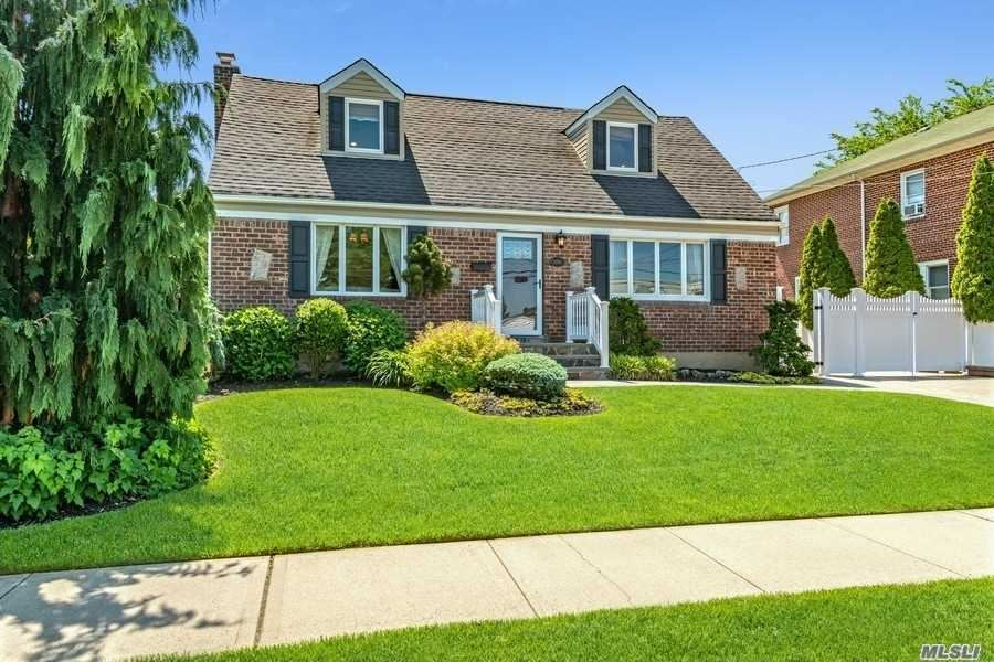 2106 Lincoln Avenue, East Meadow, NY 11554 - MLS#: 3221147