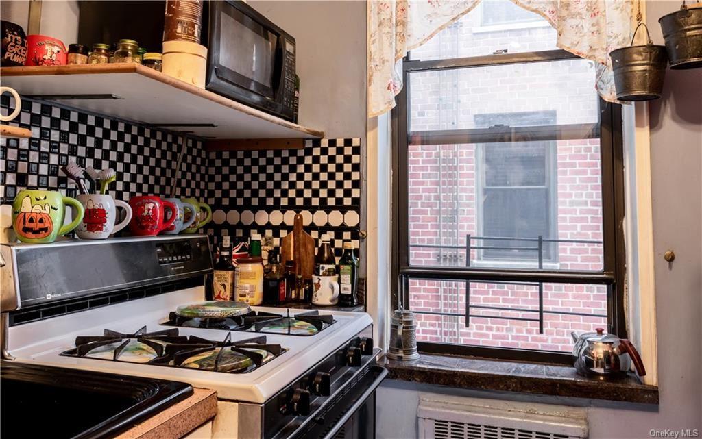 30 E Ninth Street #5N, New York, NY 10003 - MLS#: H6092147