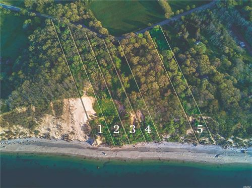 Photo of 86 Sound Shore Rd, Riverhead, NY 11901 (MLS # 3199149)