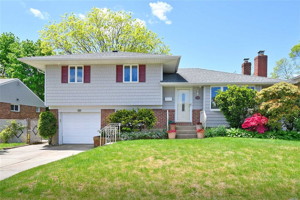 233 Floral Avenue, Plainview, NY 11803 - MLS#: 3129151