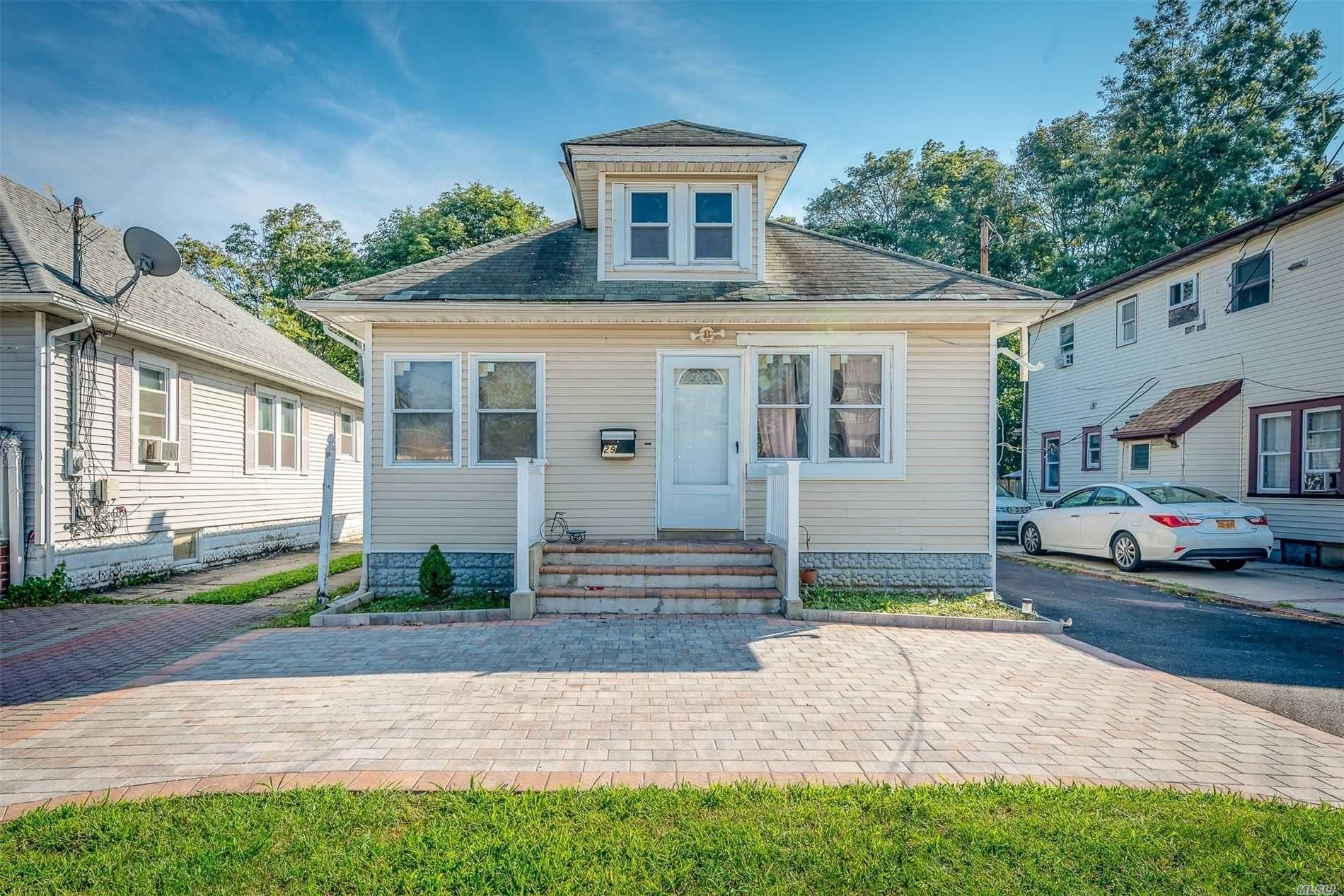 29 Maple Place, Amityville, NY 11701 - MLS#: 3246152
