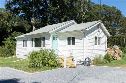 Photo of 6 W Thomas Street, Shelter Island, NY 11964 (MLS # 3248154)