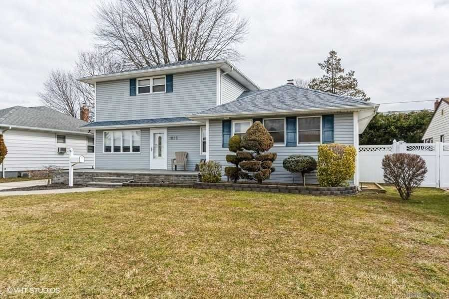 1055 Mclean Avenue, Wantagh, NY 11793 - MLS#: 3290155