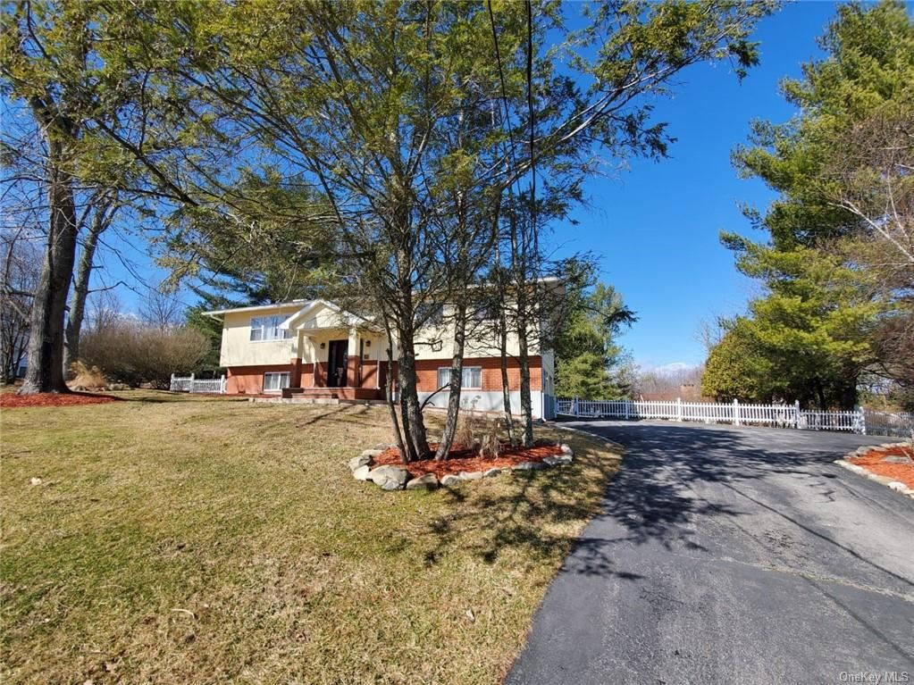 Photo of 15 Kennedy Terrace, Middletown, Ny 10940 (MLS # H6022155)