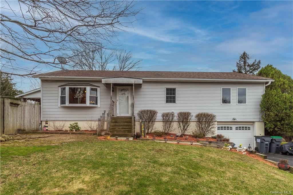 Photo of 1 Cherry Avenue, Middletown, NY 10941 (MLS # H6105155)