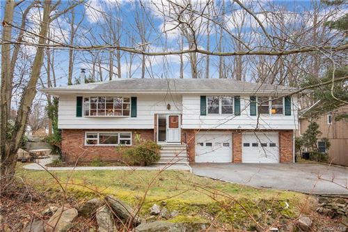 Photo of 6 Puritan Drive, Scarsdale, NY 10583 (MLS # H6091156)