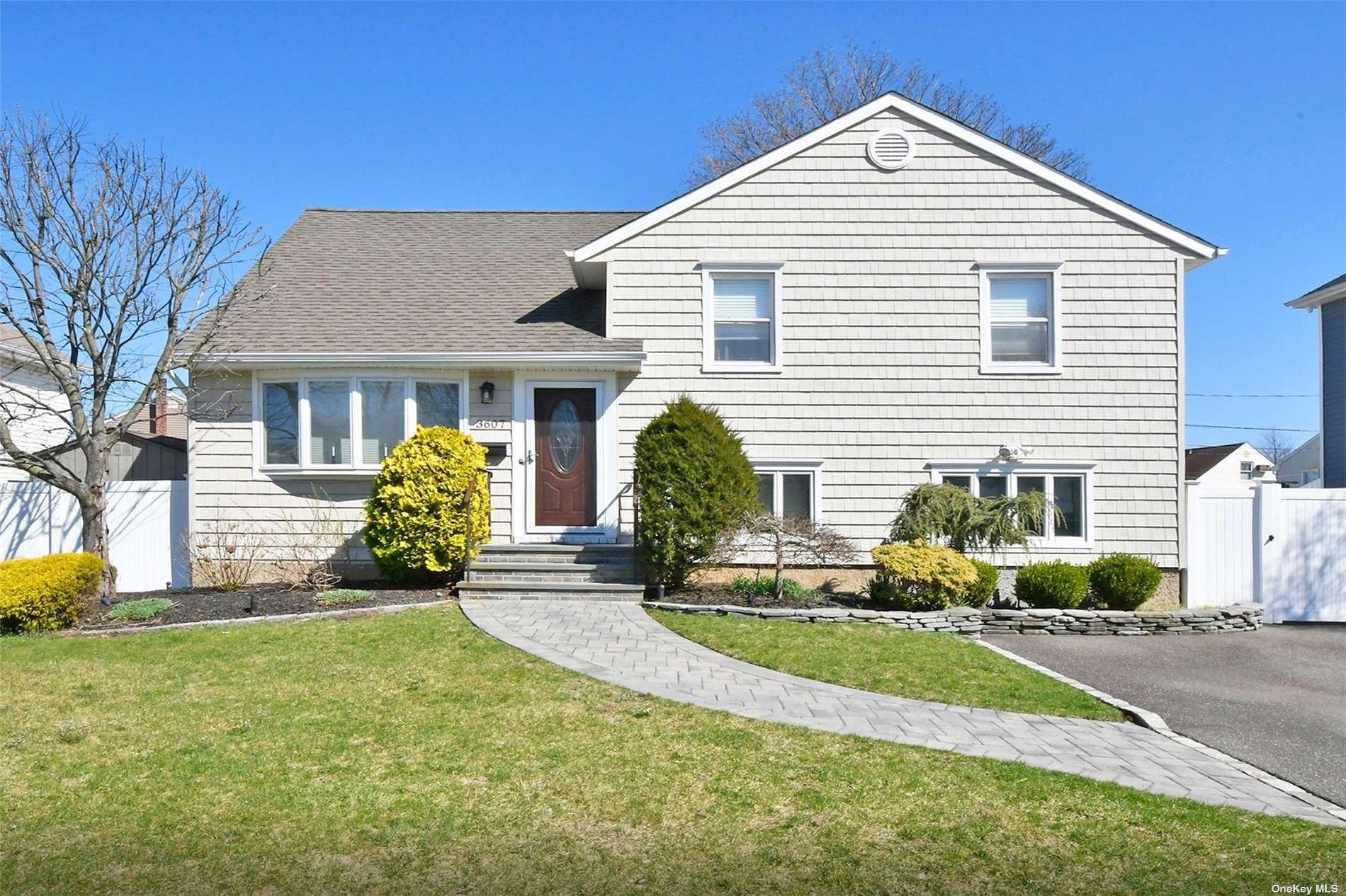 3607 Sarah Drive, Wantagh, NY 11793 - MLS#: 3299156