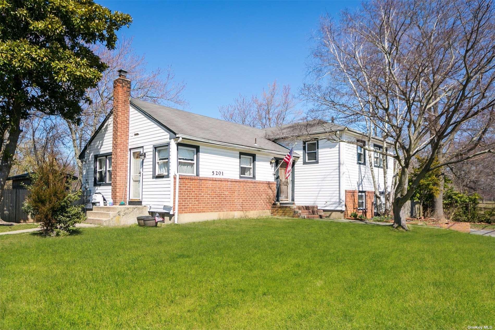 5201 Merrick Road, Massapequa, NY 11758 - MLS#: 3354157