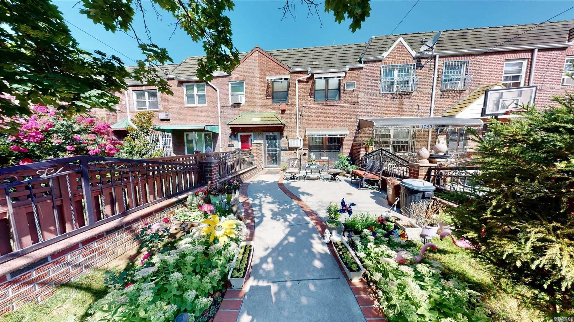 1751 Dekalb Avenue, Ridgewood, NY 11385 - MLS#: 3240159