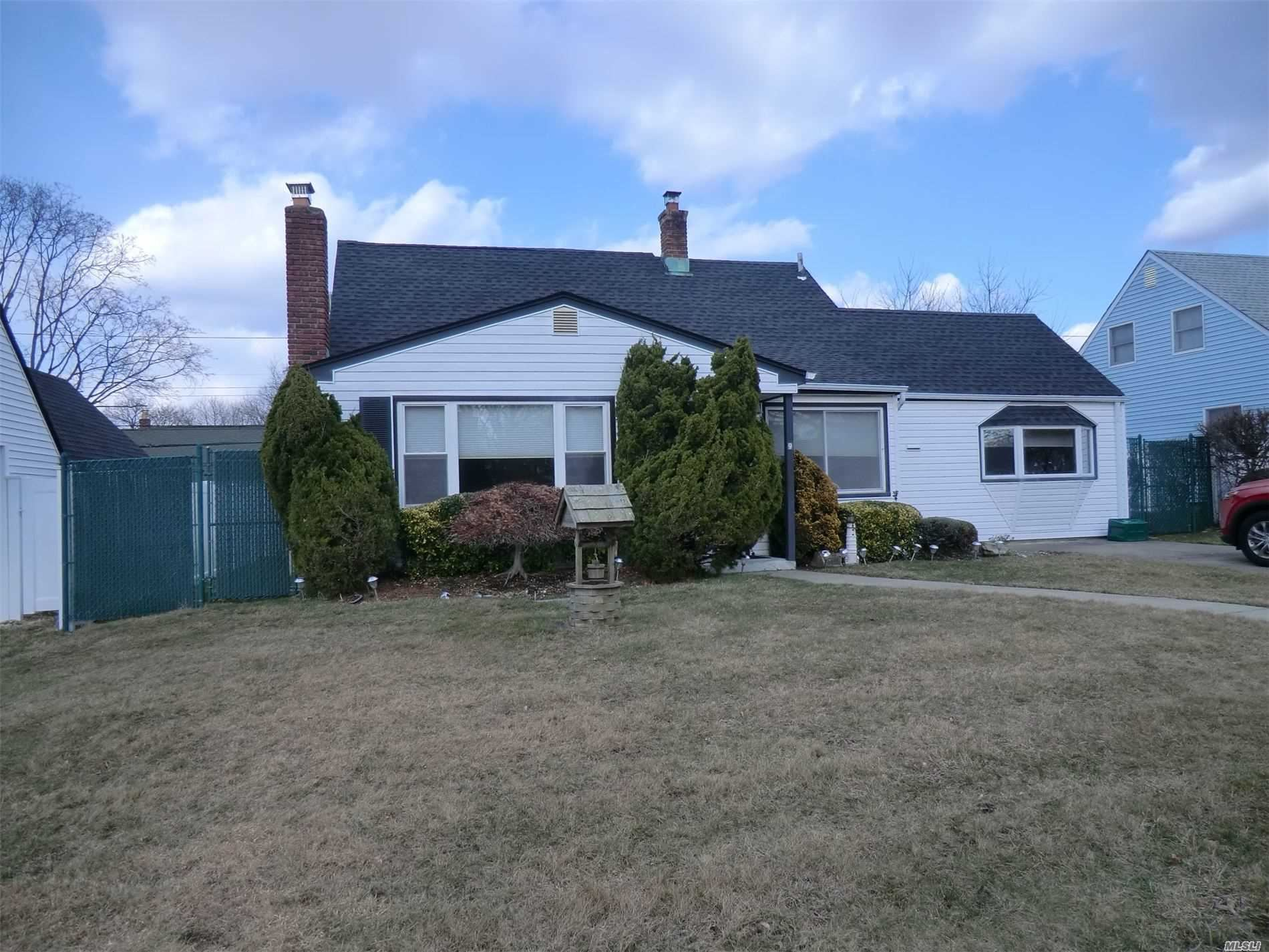 9 Pebble Lane, Levittown, NY 11756 - MLS#: 3199163