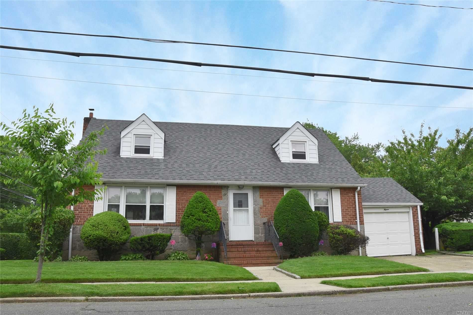 15 Spruce Avenue, Floral Park, NY 11001 - MLS#: 3219166