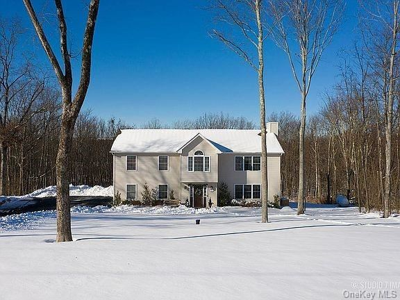 Photo of 31 Haven Lane, Middletown, NY 10940 (MLS # H6090166)