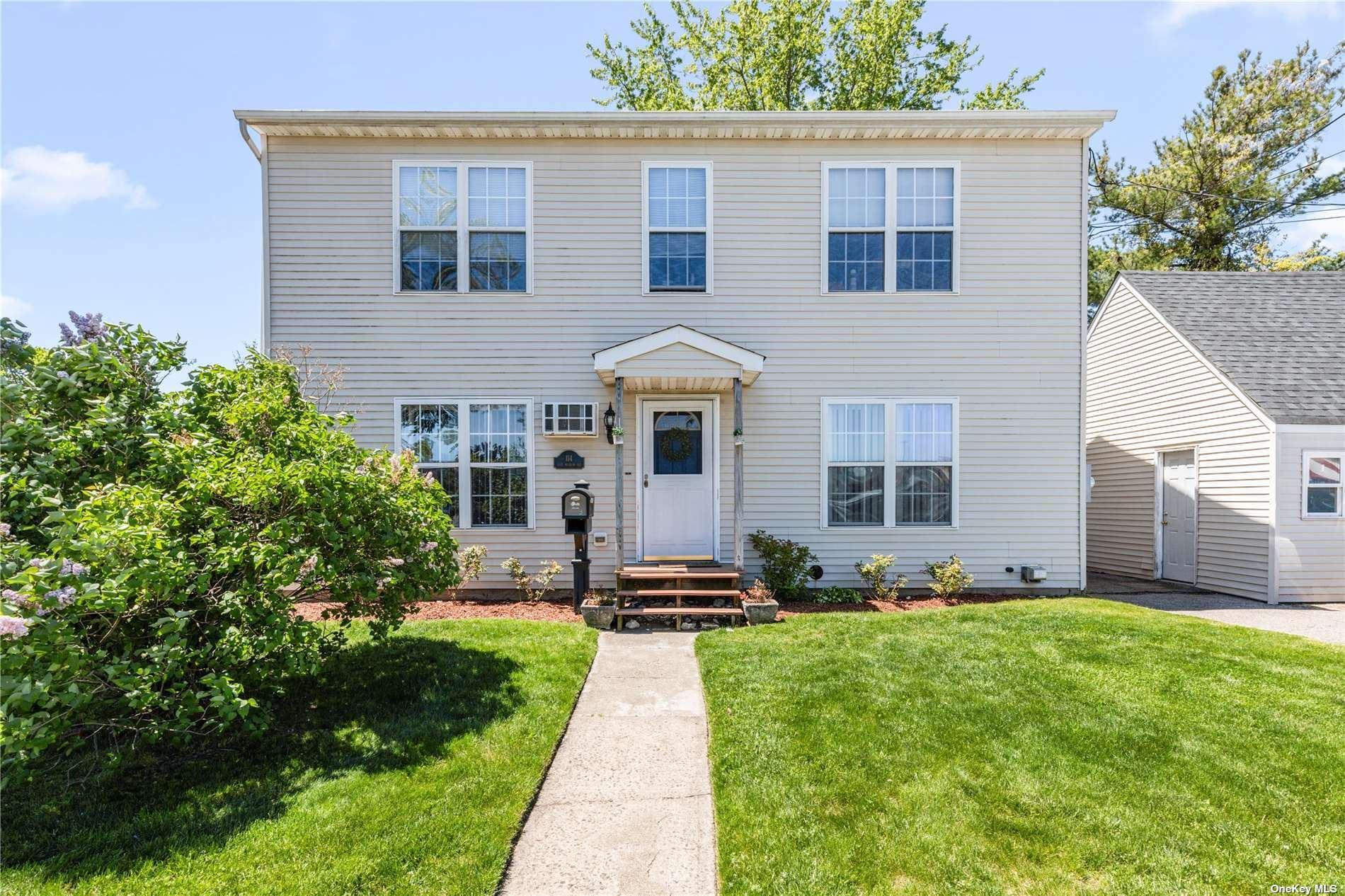 114 E Meadow Avenue, East Meadow, NY 11554 - MLS#: 3311171