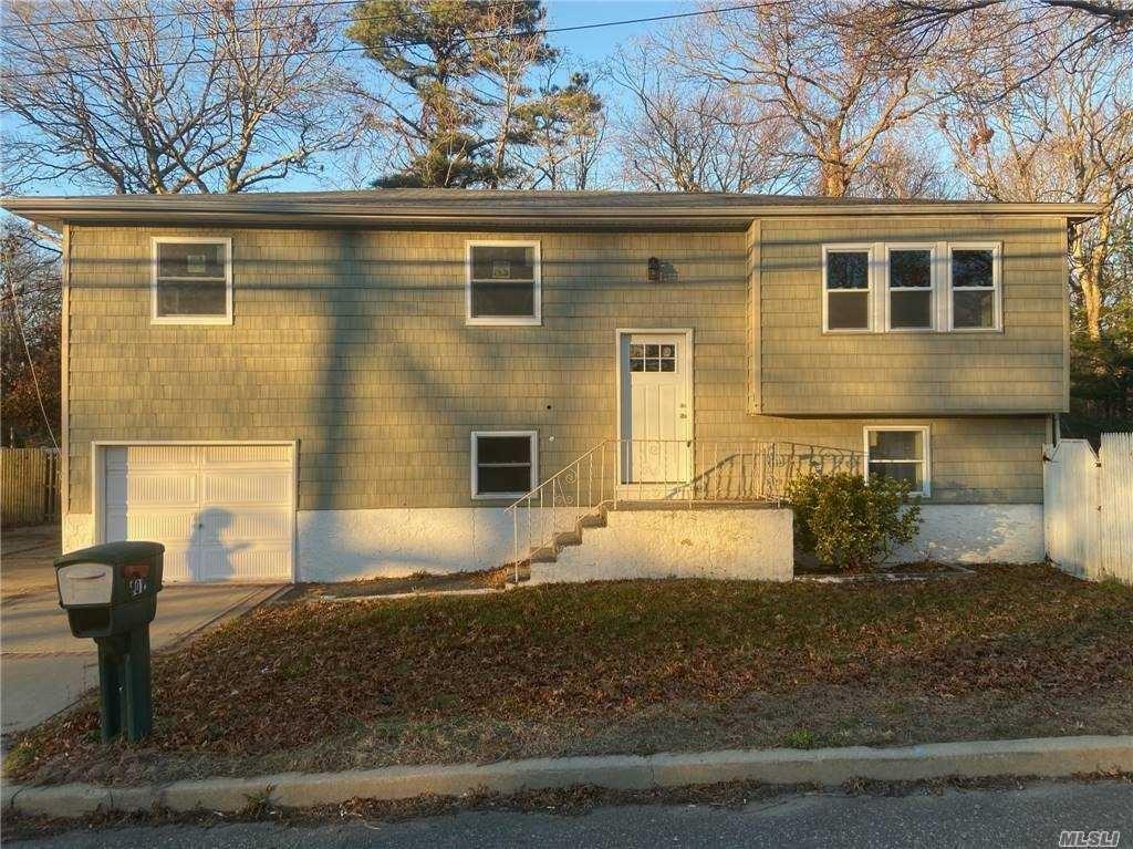 201 Peconic Avenue, Medford, NY 11763 - MLS#: 3275174