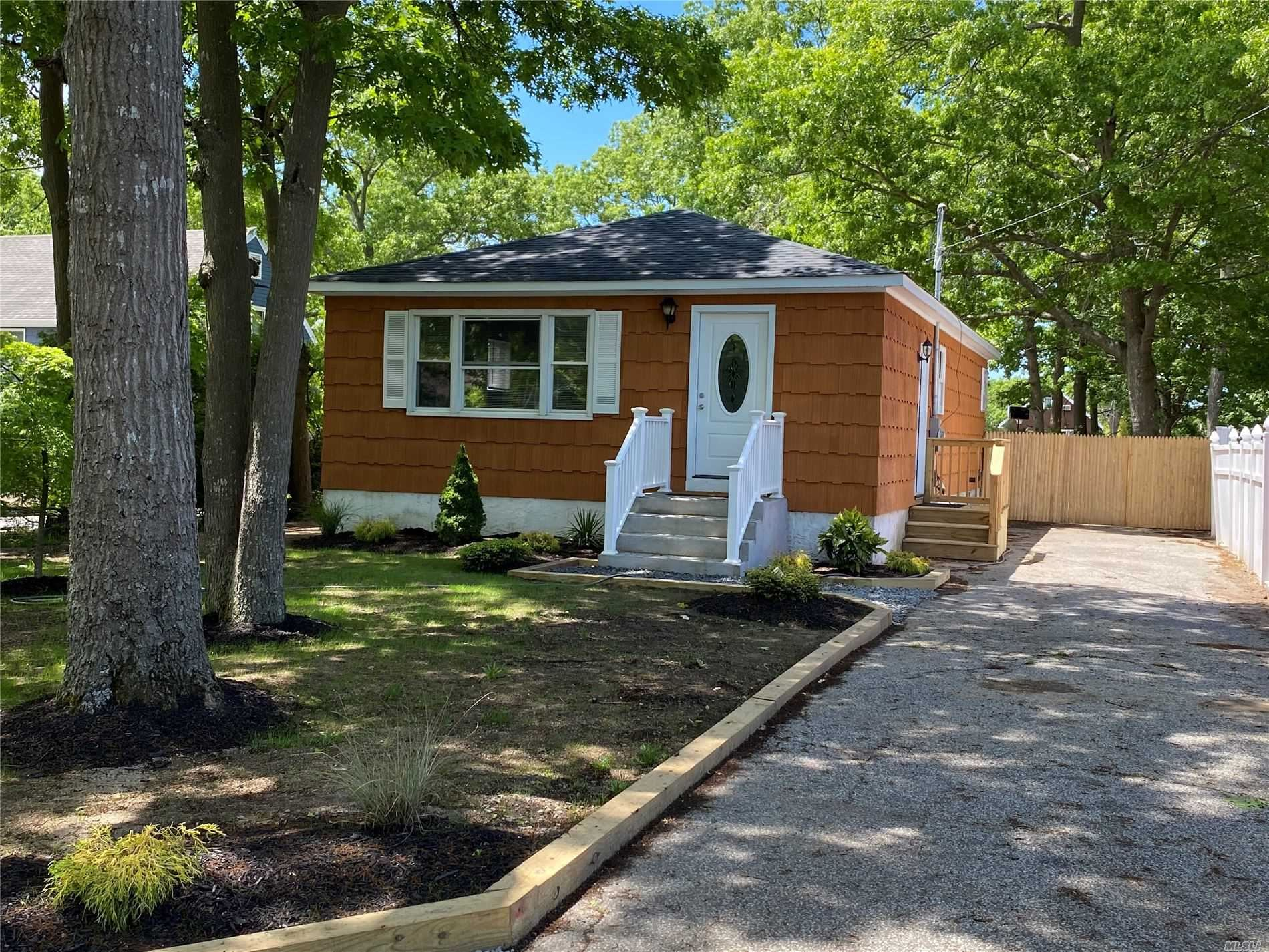 235 W End Ave, Shirley, NY 11967 - MLS#: 3218178