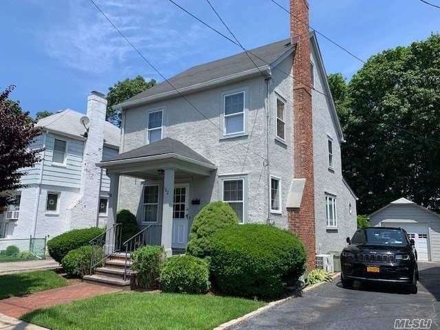 102 Saint Marks Place, Roslyn Heights, NY 11577 - MLS#: 3159179