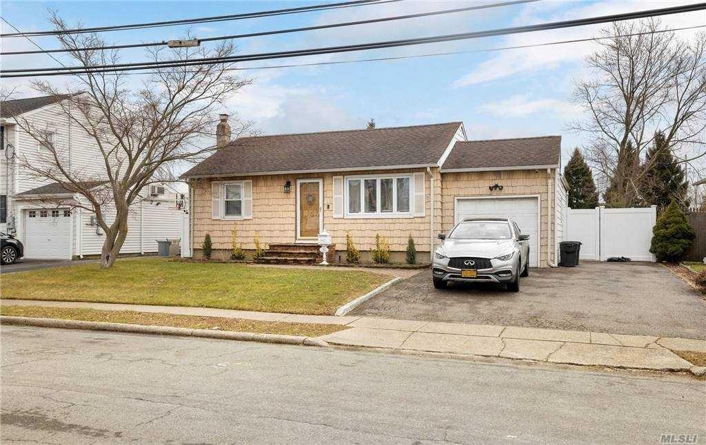 32 Leibrock Avenue, Lindenhurst, NY 11757 - MLS#: 3285179