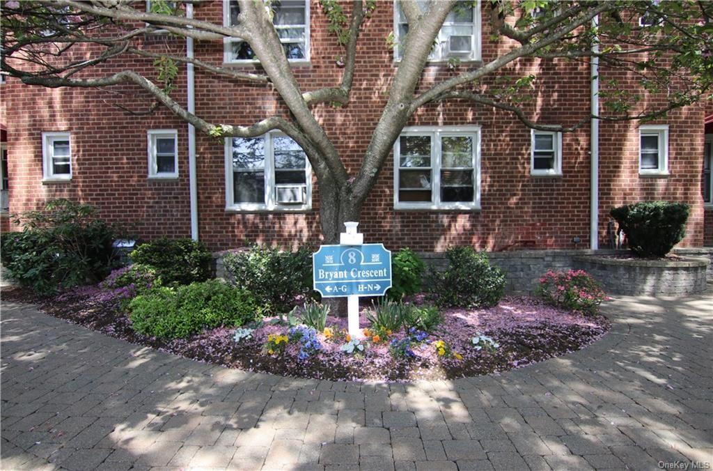 Photo of 8 Bryant Crescent #2G, White Plains, NY 10605 (MLS # H6114180)